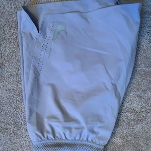 Nike Hyper vent running shorts (size M)